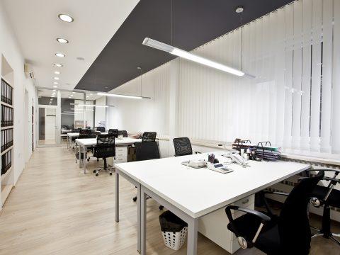 תכנון תאורה לחלל עבודה משותף